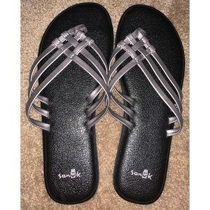 Sanuk Yoga Mat Metallic Sandals